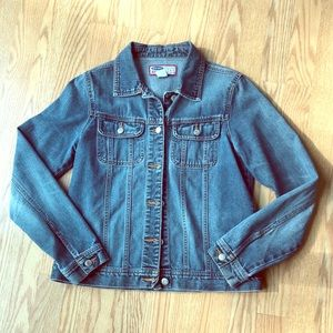 Old Navy classic jean jacket!